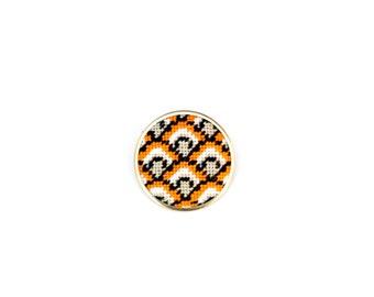 DIY Needlepoint Jewelry Kits: Fishscales Round Pin