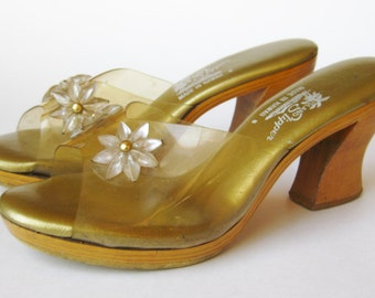 Vintage 50s 60s Wooden Tiki Oasis Clear Plastic Slip On Shoes Mules size 8