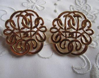 Vintage Fancy Curls and Lines Openwork Pierced Earrings
