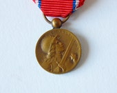 french war medal TINY french medal awarded for service in world war 1
