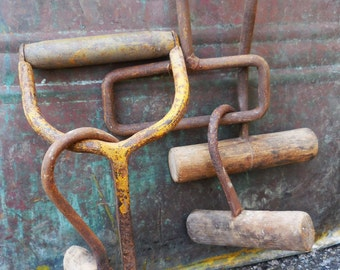 5 Vintage Hay Hooks cast iron Ice Meat primitive antique hand tools barn dock Salvage wood handle