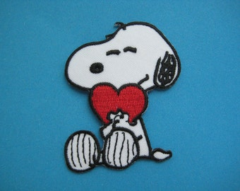 Iron-on Embroidered Patch lovely Snoopy 2.5 inch