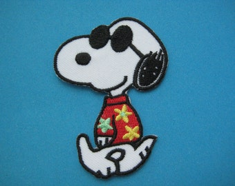 Iron-on Embroidered Patch Snoopy Sunny Day 2.75 inch