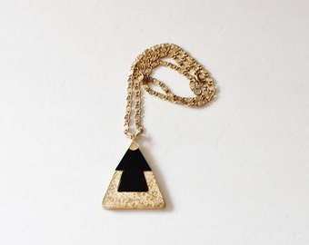 30% off sale // Vintage Black and Gold Pyramid Triangle Pendant Necklace - 1970s Costume Jewelry - Sarah Coventry