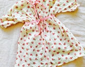 Vintage 1930s Baby girl floral dress/ robe shabby pink roses ribbon bows