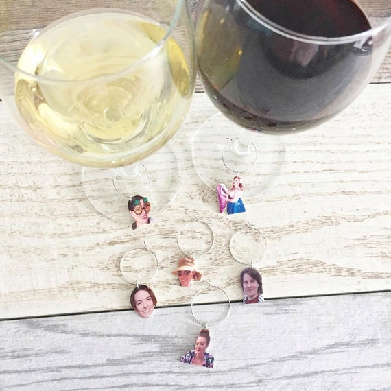 wine glass charms, identifiers, customised with your friends and family faces, printed plastic, lesperlesrares