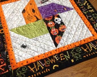 Halloween Whirligig 18 inch quilted centerpiece