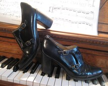 80s SPAIN BUCKLE MONK Strap vtg Genuine Leather Black Cap Toe Buckled Chunky Stacked Heels Ankle Booties Shoes 8.5 8 and a half 1980s