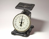 Vintage Black Kitchen Scale by Eveready Family Scale - circa 20th Century