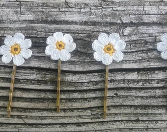 Spring wedding hair pin Daisy flower jewelry floral accessory Gift for her Crochet Daisy hair accessories Rustic wedding