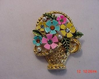 Vintage Rhinestone And Faux Pearl Flower Basket Brooch   16 - 512