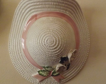 Spiegels Straw Hat Wall Pocket vintage