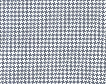 Michael Miller Tiny Houndstooth in Gray & White