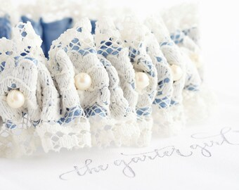 Vintage Lace Pearl Garter, Wedding Dress Lace Garter, Wedding Gown Garter, Lace and Pearl Garter, Something Old For Bride, FREE SHIPPING