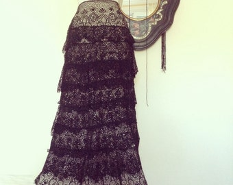 Antique 1890s French Provence petticoat / Black lace handstitched skirt
