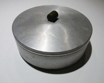Vtg Art Deco Round Container Aluminum with lid and Bakelite knob WB West Bend