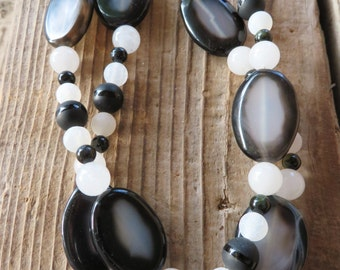 Black and White Frosted Agate and Shell Beaded Necklace