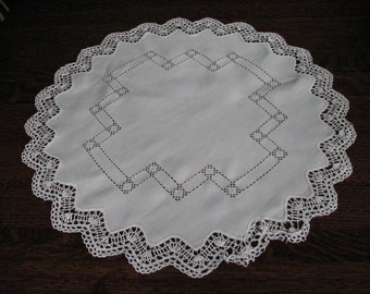 "Vintage Doily, 27"" Round White Doily, Cutwork Doily, Crochet Edge Cloth Doily"