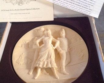 1978 1st Edition Carmen Ivory Alabaster La Scala Opera Collection Plate Oggetto d'Arte
