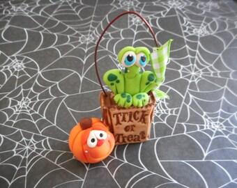 FREE SHIPPING! Polymer Clay Frog/Jack o'lantern Trick or Treat Bag - FIGURINE