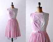50's white & pink dress. pleated skirt. 1950 full dress. light pink. xs. rose. sleeveless.