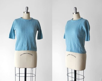 1950 blue sweater. pastel. 50's sky blue sweater. short sleeve. ribbed. large. wool top. knit