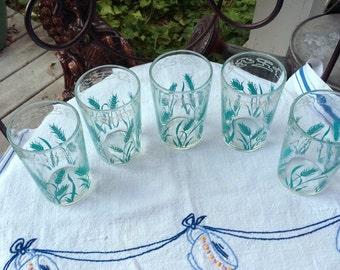 Vintage Glassses / 5 Juice Glasses / Aqua wheat Stocks and White edging / Nice Vintage Glassware / RETRO Vintage Kitchen