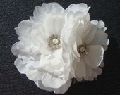 Double WHITE peony wedding flower hair clip / white flower / wedding flower comb / flower hair comb pin clip / bridal flower comb
