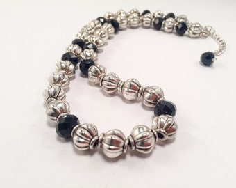 Black and pewter beaded necklace set