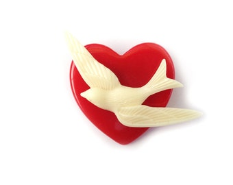 Tweetheart Brooch - Classic Cherry Red