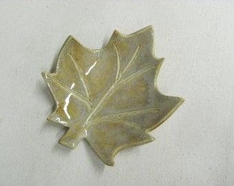 Tea Bag Holder Ceramic Ring Holder Jewlery Ring Dish Leaf Dish Handmade Ceramics Pottery Spoon Rest Soap Dish Teabag Holder Ring Holder