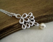 Silver Peacock Tail and Pearl Necklace Collier Argent Paon et Perle Gift Idea For Her