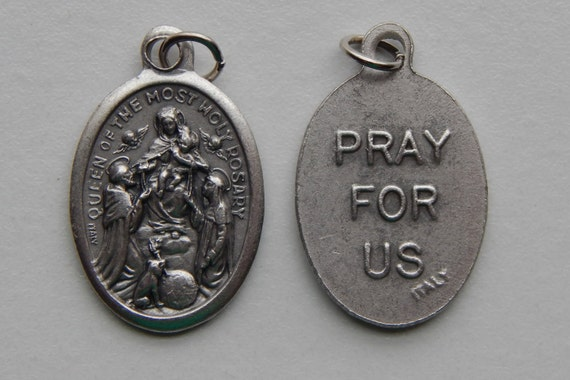 5 Patron Saint Medal Findings - Queen of the Most Holy Rosary, Die Cast Silverplate, Silver Color, Oxidized Metal, Made in Italy, RM911