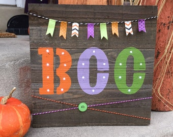 SALE Small Wooden Pallet HalloWeen BOO light up Home Decor