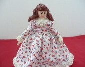 Old Fashioned Poseable Doll House Doll, Colonial Era Doll for Doll House