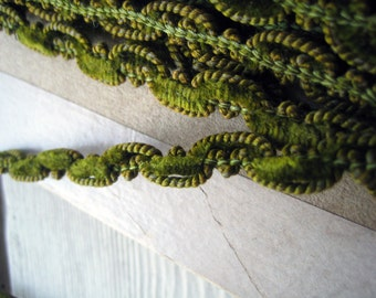 Antique French Chenille and Silk Trim Victorian Edwardian Listing is for 18 inches long (Ref A-4529 Box 1)