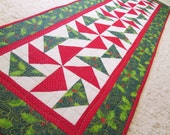 Quilted Christmas Pinwheel Holly Table Runner