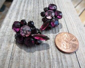 Pink and Black Rhinestone Vintage Clip on Earrings Black Enameled Metal Pink Glass Rhinestones