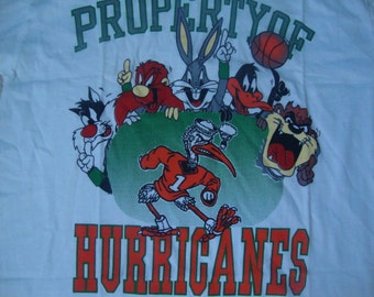 Vintage 90's Miami Hurricanes Football Looney Cartoon Tunes Sylvester Tasmnian Devil Daffy Duck rap hip hop T Shirt L