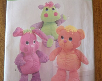 Simplicity 7808, Cuddly Bear, Bunny and Hippo, One Size, Uncut