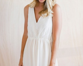 Classic V neck wedding gown