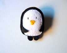 Felt penguin brooch, cute characters, polar animals, winter theme, plush doll