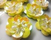 20 Pieces 20 mm Handmade Iridescent Gold Sequins Daisy Flower Appliques