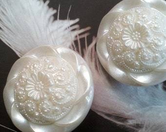 12 Vintage Large  28 MM Pearl White  Plastic Shank Buttons. Beautiful Detail Floral Design Buttons