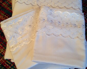 Vintage French Country Eyelet Lace Full Size Flat and Fitted Sheets with Two Matching Pillowcases White Cottage Style