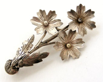 Antique art nouveau French silver daisy brooch