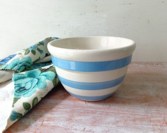 VIntage Bakewells Pottery Mixing Bowl in Blue and White
