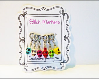 Small Stitch markers/ Petits marqueurs de mailles