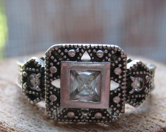 Vintage Sterling Silver Victorian Style Women's Ladies Ring Size 8 Cubic Zirconium