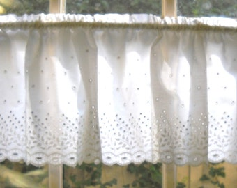 """vintage eyelet window valance 40"""" in width and 9"""" wide"""